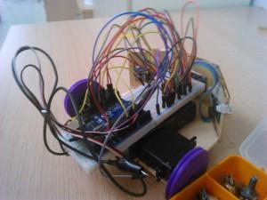 2014-2015 güz dönemi eğitim projesi-engelden kaçan robot